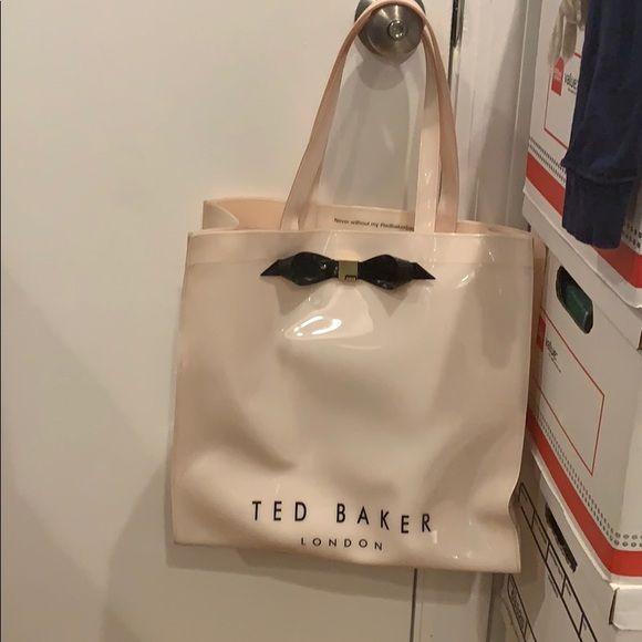 Ted Baker London Handbags - Ted Baker Icon large 3D tote